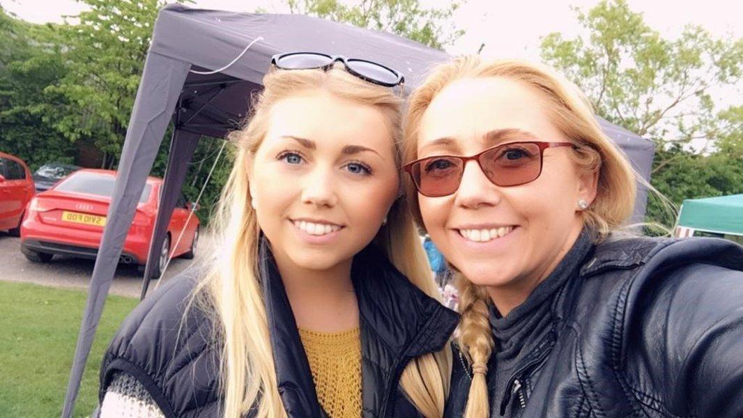 Allana with her mum Katrina